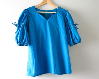 1970s Blue Peasant Blouse  | Vintage Ren Faire Pirate Senorita Costume Top L