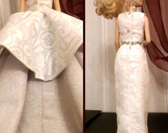 Barbie Wedding gown white and silver with wide skirt, for Fashion royalty FR2 and dolls of similar body size.