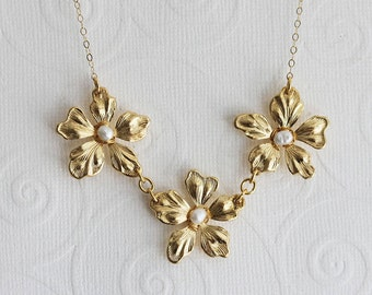 Gold Flower Necklace  Flower Pearl Necklace Gift For Mom Bridesmaid Necklace Wedding Jewelry Wedding Flower Necklace