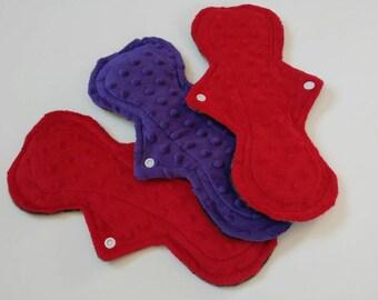 3pc cloth pad starter set, minky, moderate, 3pk cloth pads, camo, red, purple, fleece backed, curvy shape, flared, starter pack, bundoe, RTS