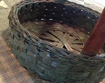 Primitive Pie Basket