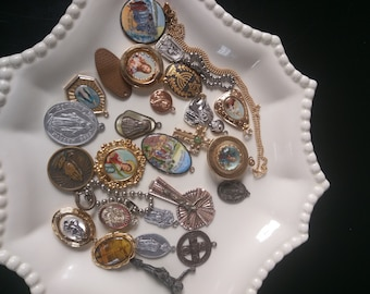 BIG Lot Art / Craft Projects- 25 pieces Religious Catholic Medals - Antique & Vintage FREE Shipping