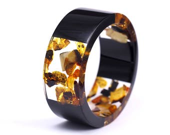 Amber and Resin Bracelet, Gift for Her, Christmas Gift For Woman, Clear and Black Resin Bangle with Amber, Bold Jewelry, Artistic Jewelry