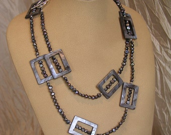 Gray Mother-of-Pearl Necklace