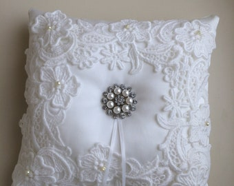 Vintage lace wedding ring bearer's pillow
