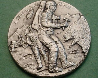 Space Medal Apollo 17  Dec  1972 Exploration Mint Cond. 32mm White Metal 32mm Minted in ITALY Low Mintage<># ET3479