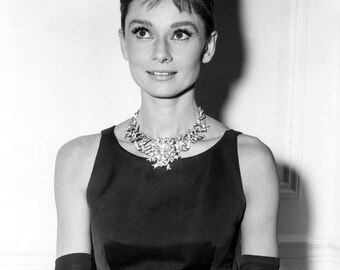 "Audrey Hepburn in Film ""Breakfast at Tiffany's"" - 5X7, 8X10 or 11X14 Publicity Photo (NN-207)"