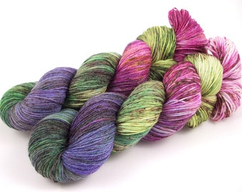Rose Garden - Hand Dyed Speckled Sock Yarn - SW 60/25/15 - Superwash Merino Bamboo Nylon - 450 yards - Hime