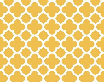 Summer Clearance Quatrefoil Medium in Mustard by Riley Blake Designs - 1 Yard