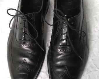 Vintage Leather Florsheim Oxford Shoes Black Wingtip Men's 9 Women's 10.5
