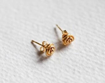 Tiny Stud Earrings, Delicate Earrings, Minimal Earrings, Stud Earrings, Small Earrings, Simple Earrings, Dainty Earrings, Post Earrings