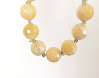 vintage gemstone necklace / yellow and green gemstone necklace 19mm beads