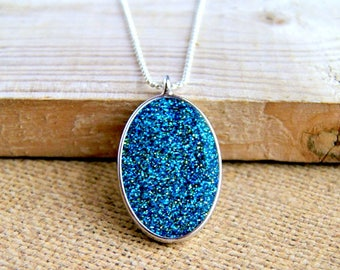 sparkle resin pendant, colorful jewelry, glitter pendant, minimalist jewelry, modern necklace, gift for her, christmas gift
