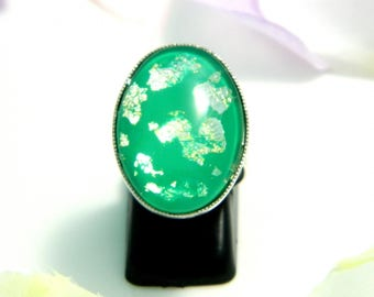 Green glass cabochon ring (ba177) silver foil