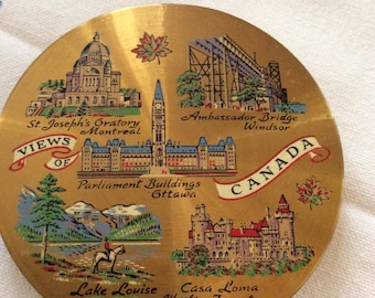 Vintage 1950s 1960s Compact Souvenir Canada Powder Compact