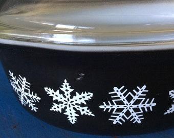 Vintage Pyrex white snowflake casserole mid century casserole black Pyrex casserole