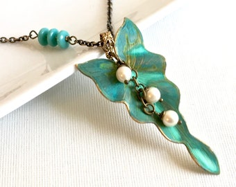 Leaf Necklace - Verdigris Patina, Pearl Necklace, Leaf Jewelry, Botanical Jewelry, Turquoise Necklace