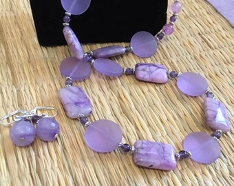 Marvelous Mauve - Necklace and Earrings
