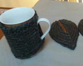 tea mug and saucer knit
