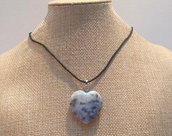 Cord sodalite heart stone necklace