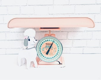 PINK Baby SCALE   Vintage (c. 1950s-1960s)  Hanson Nursery Scale   Painted Metal Infant Scale with Tray   Retro Baby Photography Prop