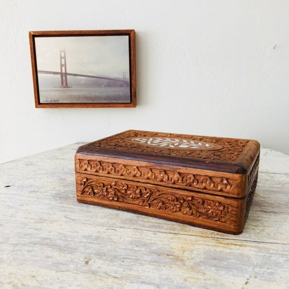 Vintage Carved Wood Jewelry Box Brown Rosewood Hand Carved Floral Hinged Trinket Box with Lid White Flower Shell Inlay Boho Decor