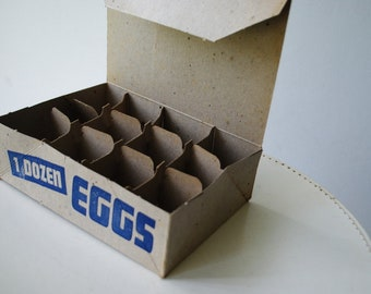 Kitchen decor. Vintage 30s, one dozen eggs, carton box.Mint condition.