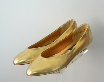 Vintage 1980s Gold Flats - 80s Pointed Ballet Flats - Twinkle Toes