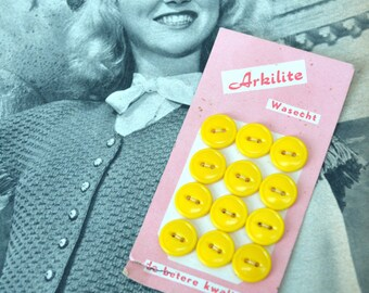 VINTAGE Haberdashery - 12 Yellow Buttons On Card - Arkelite Pink Buttoncard