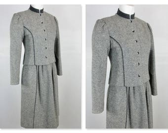 Vintage 1970s Lanz Wool Suit / Fall and Winter Warmth in Wool / Shades of Gray / German Made / Size 5 Small Women's  / Jacket, Skirt