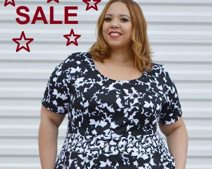 Featured listing image: SALE Plus Size Dress, Womans Floral Dress Black and White Plus Size Dress, Spring Summer Plus Size Dress,  Black Dress, Womens Dress