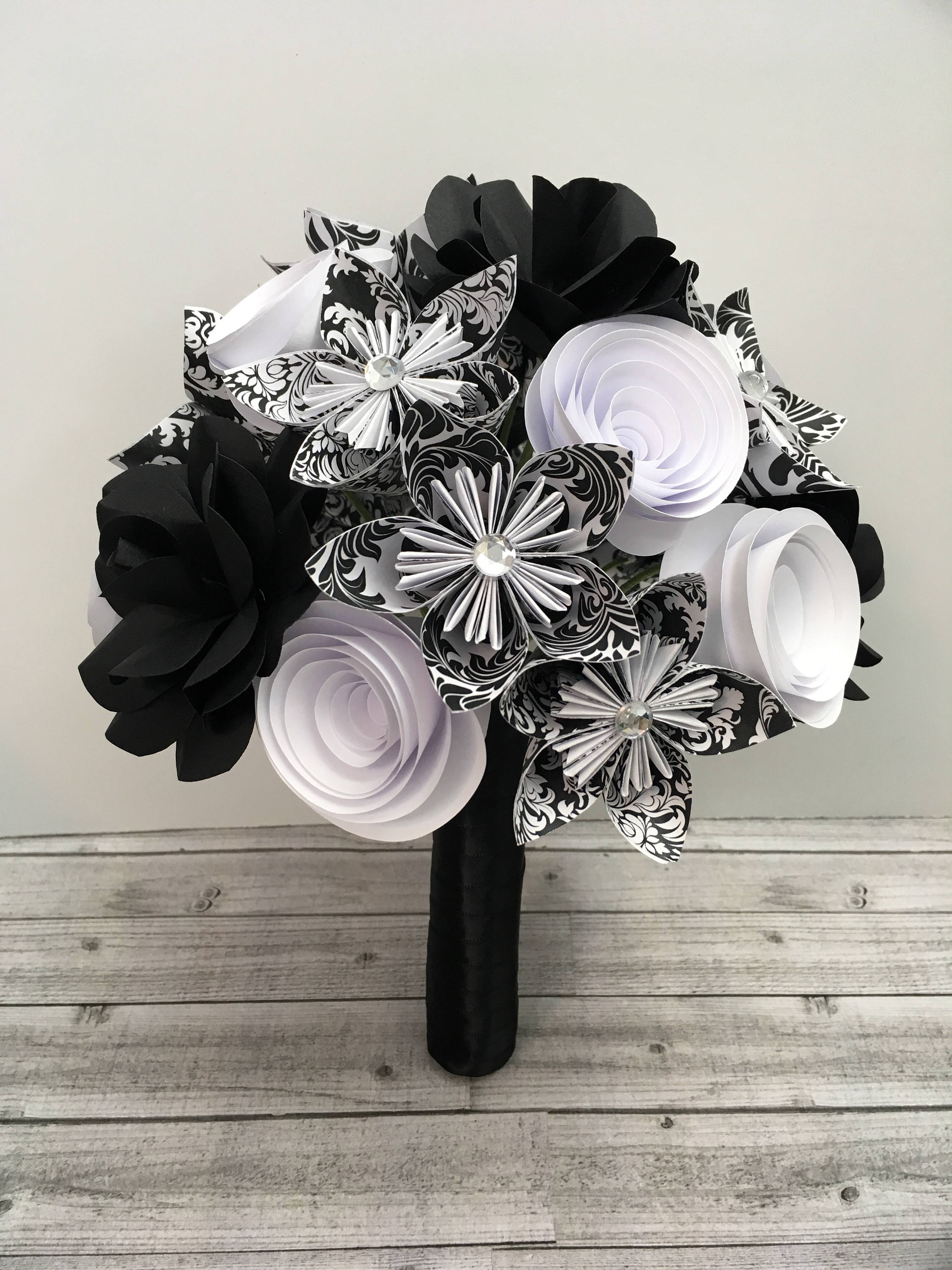 Paper flower bouquet black and white flowers paper gift zoom izmirmasajfo Choice Image