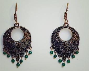 Vintage Glamour: Classy earrings to complement any outfit