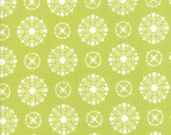 VINTAGE HOLIDAY Bonnie & Camille Vintage Christmas Snowflakes Light Green 1 Yard Moda Fabric