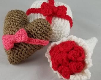 Pookies Valentine Gifts - Crochet Pattern