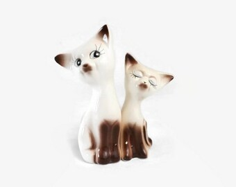 Siamese Cat Salt & Pepper Shakers, Vintage Kitchen Table Decor