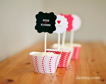 Cupcake topper printable party circles, cupcake wrappers and cute mini cards for Valentine's Day DIY by Daintzy