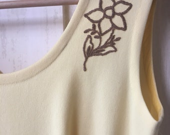 Vintage lemon yellow dress with embroidered daffodil.