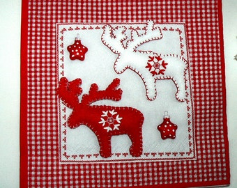 2  images Napkins from Holland reindeer