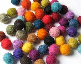 50 Hand-felted Wool Felt Balls 2CM Multi Color Mix Handbehg Felts Fiber Crafts