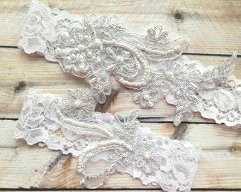 Silver Garter Set, White Lace Garter, White Wedding Garter, White Bridal Garter, Silver white garter set, Silver wedding garter