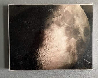 Gorgeous photograph of the moon. Moon photograph, space photograph, universe photo