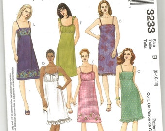 3233 McCalls Sewing Pattern Empire Waist Dress Lined Bodice Back Zipper Size 8 10 12