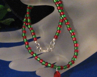 Noelle Necklace. A little rustic, but very festive!