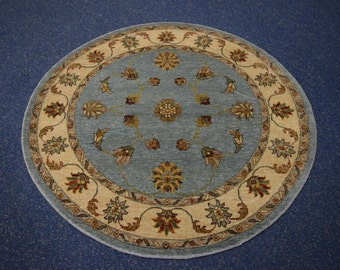 Nice hand knotted oriental round rug 4x4