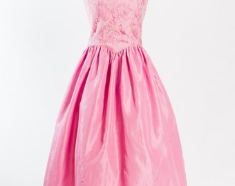 Vintage 1980s does 1950s fullskirted pink prom dress (Size 10 Aust/ 6 USA/ 10 UK)