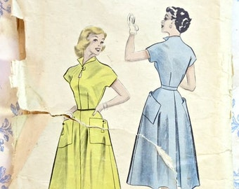 Vintage 1950s Womens Dress Pattern with Full Skirt and Keyhole Detail - Butterick 6479