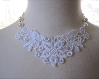 White Lace Necklace Victorian Choker Wedding bridesmaids jewelry Collar shabby chic Romantic whimsical Fabric bib Jewelry vintage style.