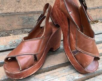 Vintage 1970s Wooden Platform Sandal / Size 7 1/2 - 7.5