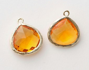 1066171 / Sun / 16k Gold Plated Brass Framed Glass Pendant  16mm x 18.5mm / 1.7g / 2pcs